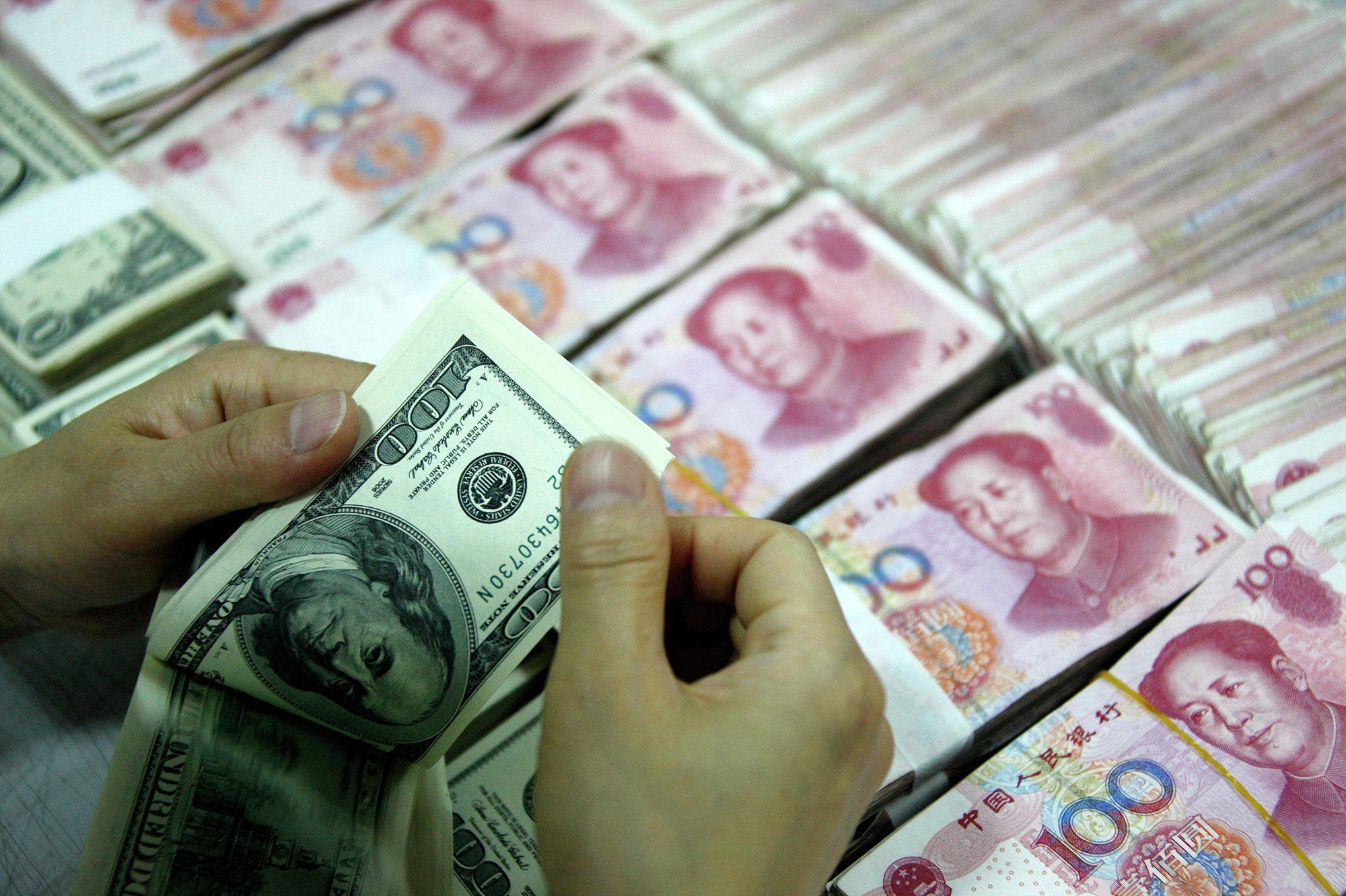 Как валютные манипуляции Китая укрепляют доллар
