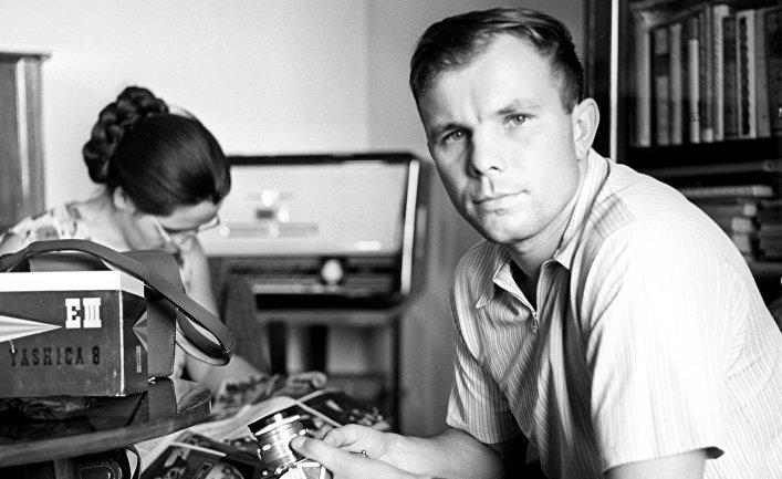 Юрий Гагарин с женой Валентиной