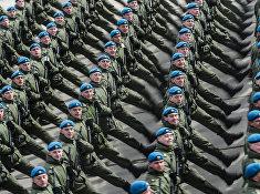 Совместная тренировка пеших и механизированных колонн к Параду Победы
