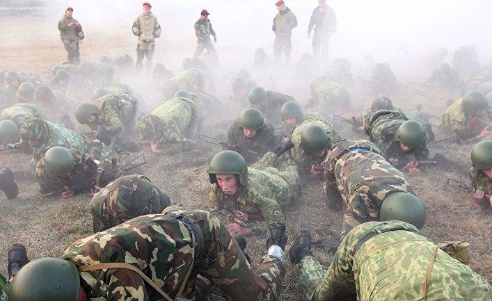 Лукашенко готовится к нападению «зеленых человечков»