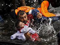 Сирийске беженцы спасаются на греческом острове Лесбос