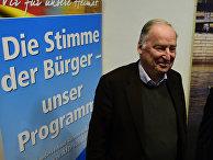 Вице-председатель партии «Альтернатива для Германии» Александер Гауланд во время предвыборного митинга Восточной Германии