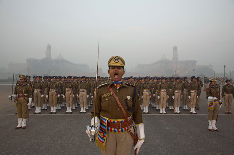 Репетиции парада в честь дня Республики