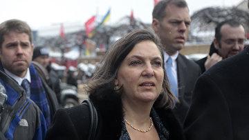 Виктория Нуланд на площади Независимости в Киеве