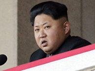 Северокорейский лидер Ким Чен Ын на военном параде в Пхеньяне
