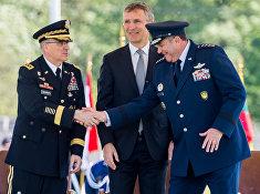 Церемония смены командования в военном штабе НАТО