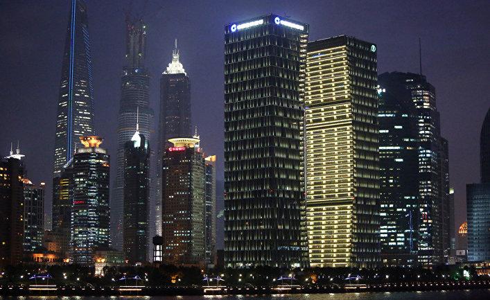 Ночной вид на Шанхай.