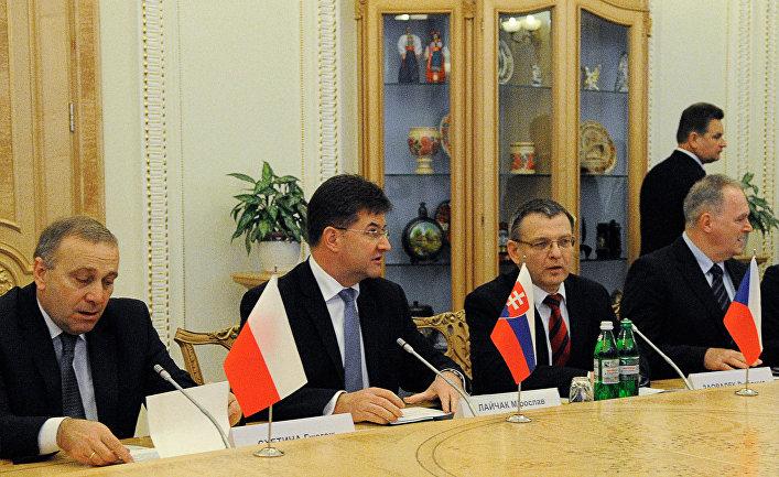 Встреча О.Сыроед с министрами иностранных дел стран Вышеградской четверки