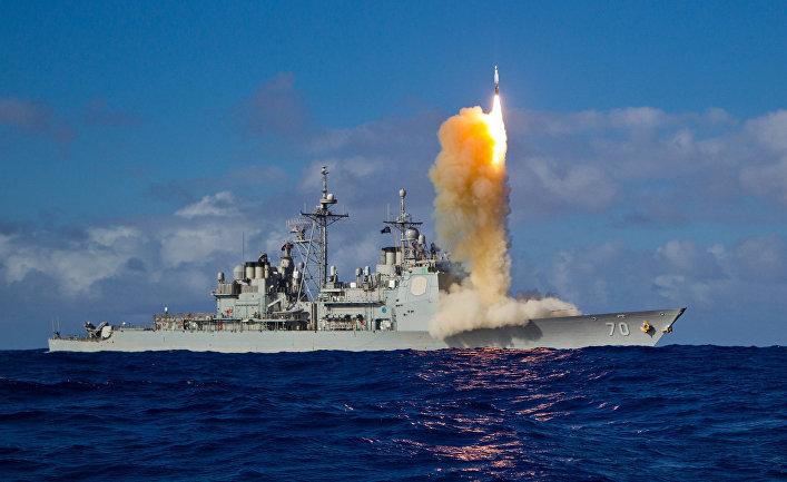 Корабль USS Lake Erie (CG-70) с боевой информационно-управляющей системой Aegis