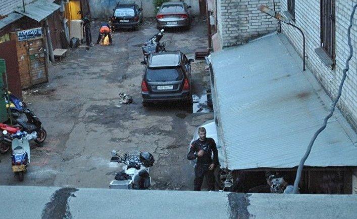 Некоторые гаражные кооперативы в Москве превратились в коттеджные поселки