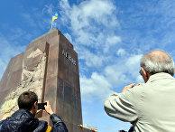 Постамент на котором стоял памятник Ленину в Харькове