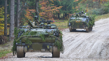 Датская военная техника во время военных учений Combined Resolve III