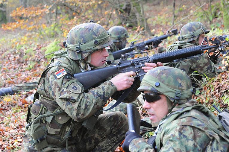 Солдаты Сербской армии на военных учениях Combined Resolve III