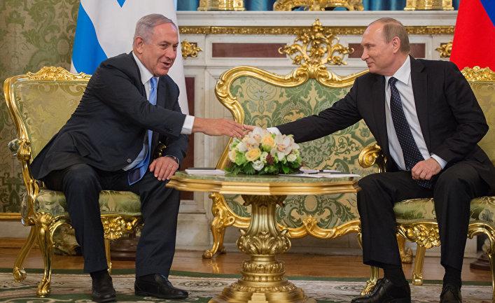 Президент России Владимир Путин и премьер-министр Израиля Биньямин Нетаньяху во время встречи в Кремле