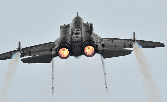 Истребитель МиГ-35 во время демонстрационного полета на МАКС-2013