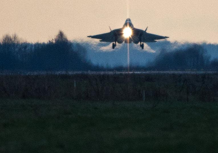 Истребитель Т-50 совершил перелет из Комсомольска-на-Амуре