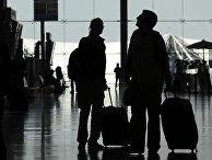 Пассажиры в зале вылета аэропорта Суварнабхуми в Бангкоке