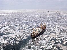 """Атомный ледокол """"Арктика"""" во главе каравана судов в Восточно-Сибирском море"""