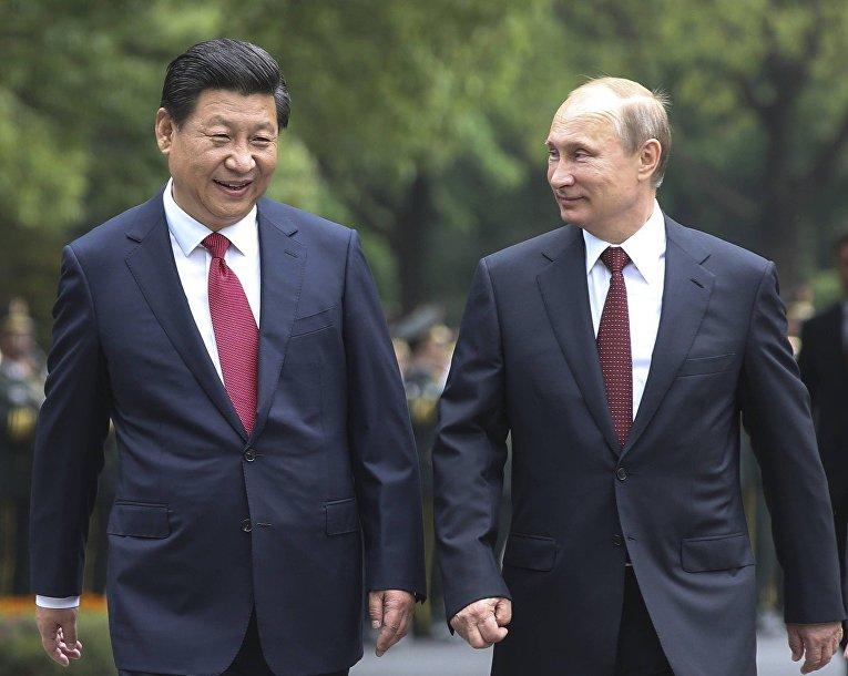 Владимир Путин и председатель КНР Си Цзиньпин
