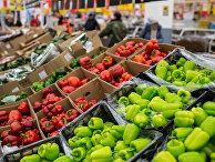 Турецкие овощи в одном из магазинов Омска