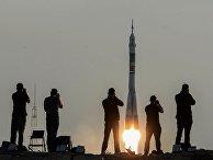 Пуск ракеты-носителя «Союз-ФГ» с транспортным пилотируемым кораблем «Союз МС» с космодрома Байконур