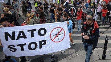Акции протеста против саммита НАТО