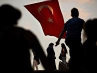 Люди в центре Стамбула
