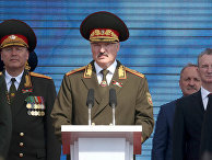 Республики Беларусь Александр Лукашенко на параде в честь Дня независимости в Минске