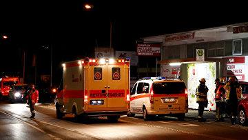 Службы спасения в районе, где мужчина с топором напал на пассажиров поезда близ города Вюрцбург