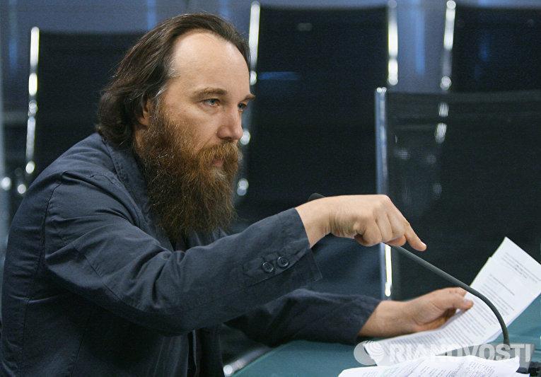 Лидер Международного евразийского движения Александр Дугин