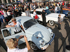 Участники международного ралли ретро-автомобилей в Калининграде