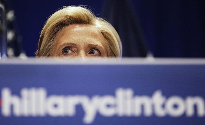 Засланная казачка: американские СМИ обвинили Хиллари Клинтон в финансовом снабжении  «Сколково»
