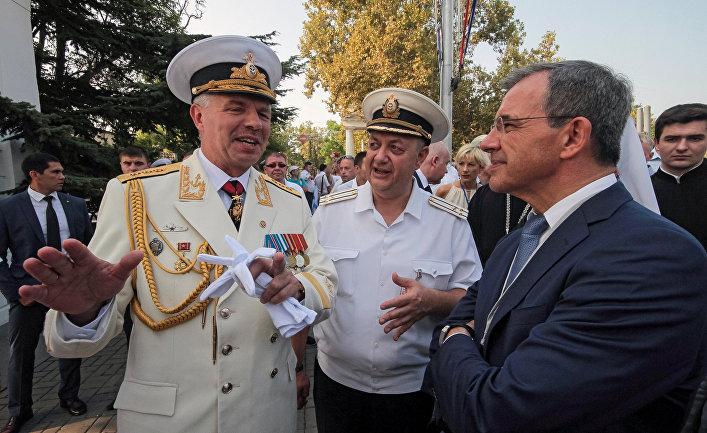 Сколько оплатили: руководителя французской делегации вКрыму задел вопрос украинского корреспондента
