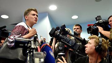 Депутат Верховной рады Надежда Савченко во время пресс-конференции в Киеве