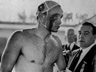 Раненый во время драки с русскими спортсменами венгерский пловец Эрвин Задор