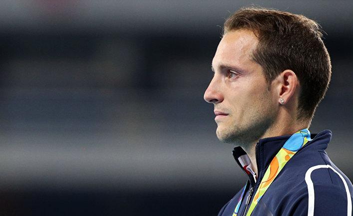 Бразилец Тиагу Браз даСилва завоевал золото Олимпиады впрыжках сшестом