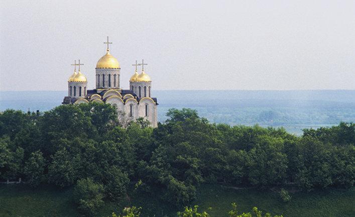 Вид на Успенский собор во Владимире
