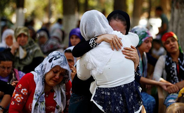 Турция впервый раз атаковала вСирии позиции террористов ИГИЛ