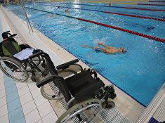 Российский спортсмен Владимир Даниленко во время тренировки паралимпийской сборной по плаванию