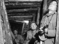 Финские солдаты в одном из укрытий на VT-линии, июнь 1944 г.