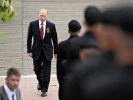 Президент России Владимир Путин перед началом военного парада посвященного 69-й годовщине Победы в ВОВ