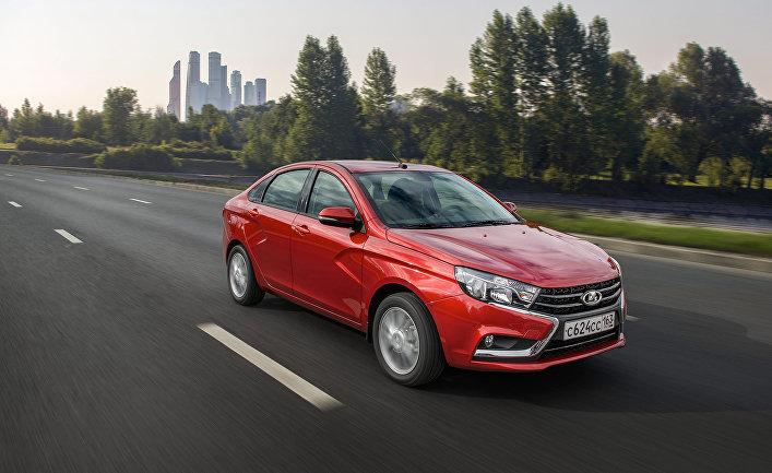 Продажи Лада Xray бьют все рекорды: «АвтоВАЗ» наращивает производство
