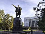 Статуя Ленина в Бишкеке