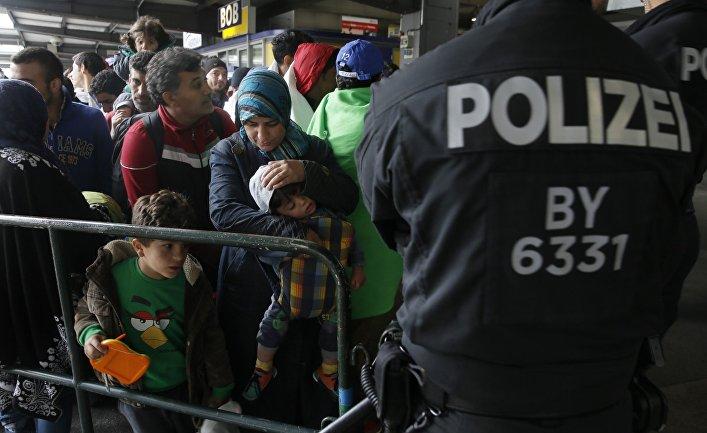 Власти Германии пробуют откупиться отбеженцев бесплатным образованием
