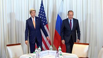 Глава МИД РФ Сергей Лавров и госсекретарь США Джон Керри на переговорах по урегулированию сирийского кризиса в Женеве, Швейцария. 26 августа 2016