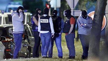 Полицейский рейд во французской коммуне Бусси-Сент-Антуан под Парижем