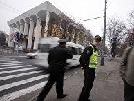 Сотрудники полиции в Кишиневе, Республика Молдова