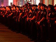 Сотрудники полиции на месте взрыва в Нью-Йорке, США