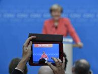Канцлер Германии Ангела Меркель во время пресс-конференции в Берлине после региональных выборов