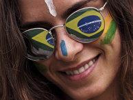 Участница демонстрации против президента Бразилии Дилмы Роуссефф в городе Манаус